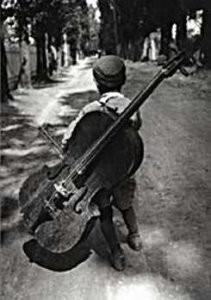 Eva Besnyo  (1910-2003) -Zigeunerjongen, Hongarije, 1931- Postcard