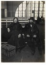 Lewis Hine(1874-1940)  -  Couple, Ellis Island - Postcard -  A16762-1