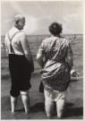 Cor Dekkinga (1929-2011)  -  Oud paar op strand - Postcard -  B0676-1