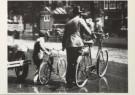 Anoniem  -  Les in oversteken met de fiets aan de hand, august - Postcard -  B1164-1