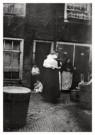 George H. Breitner (1857-1923) -  Hofje Goudsesing - Postcard -  B2961-1