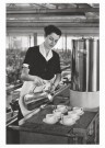 Emile v. Moerkerken(1916-1995) -  Serveerster in fabriekscantine. 28 j. (N.Brabant) - Postcard -  B3474-1