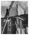 Eva Besnyo  (1910-2003)  -  E. Besnyo/Huis in aanbouw - Postcard -  B3751-1