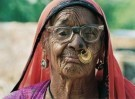 Karin van Oostrom  -  Bishnoi vrouw, India - Postcard -  C11859-1
