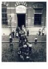 Anoniem,  -  De school begint, circa 1930 - Postcard -  C12377-1