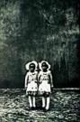 Jodi Bieber (1966)  -  Twins trad.wedd - Postcard -  C8392-1